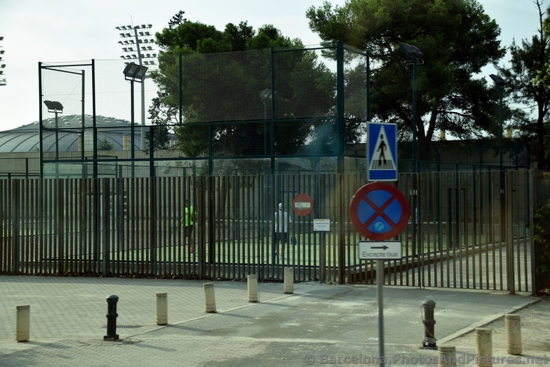Tennis Courts at Av. de 'l Estadi Barcelona.jpg