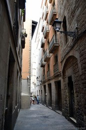 Alleyway Leading to Temple of Augustus in Barcelona.jpg