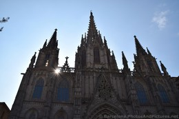 Sun Behind Barcelona Cathedral.jpg