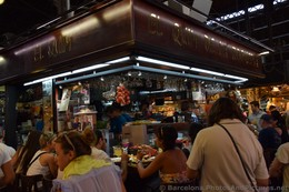 Crowd at El Quim de la Boqueria.jpg