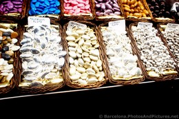 Peladillas Amlond Candies in Gold & Silver @ Boqueria Barcelona.jpg
