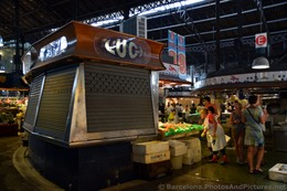 Closed Vendor Stall @ Mercat de la Boqueria.jpg