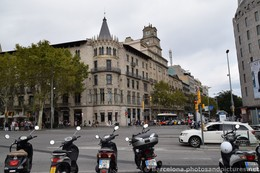 Catalana Occidente Building of Placa Catalunya.jpg