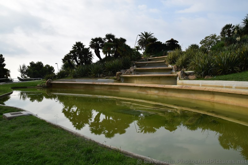 Water Fountain at Jardins del Mirador Barcelona.jpg